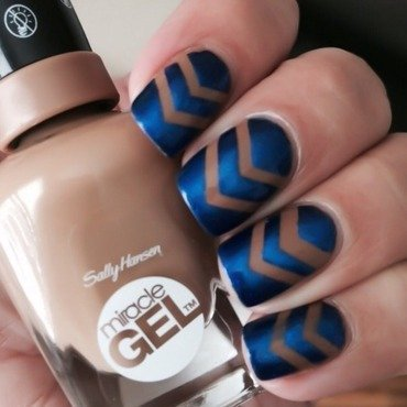 Chevron Mania ! nail art by Marilyn