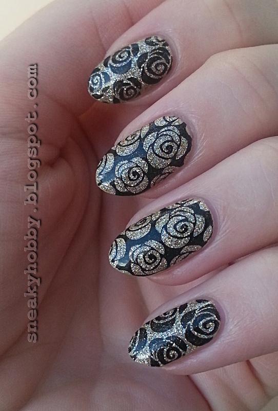 Gold Roses nail art by Mgielka M