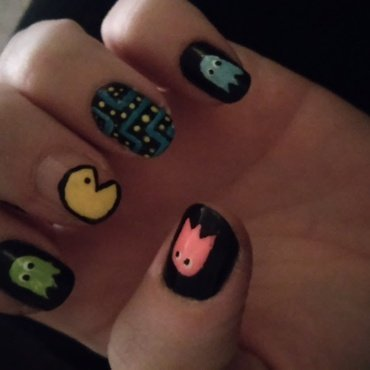 Pac Man  nail art by Jamilla