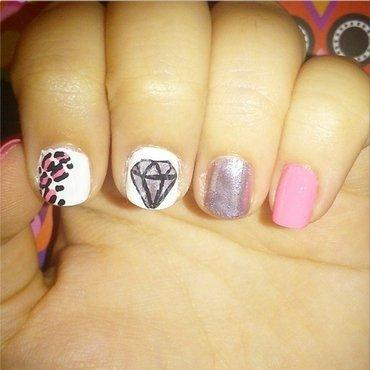 Shine bright like a Diamond nail art by Melany Antelo