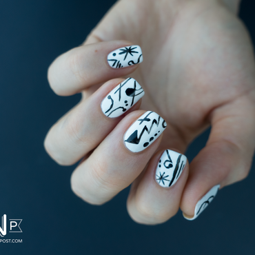 Nailstorming Oeuvre d'art nail art by Kate C.