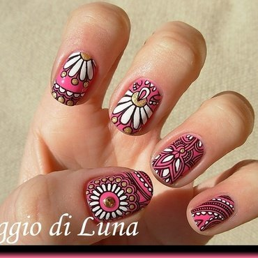 Stamping white & golden flowers on pink nail art by Tanja