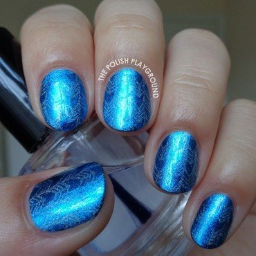 Subtle Blue and Silver Tribal Arrow Print nail art by Lisa N