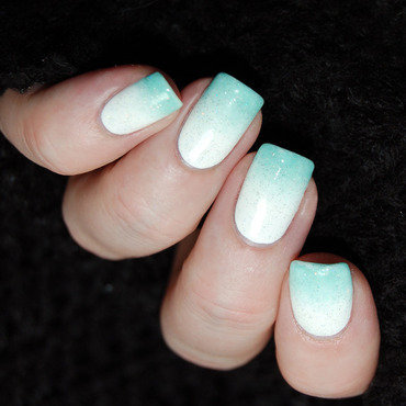 January Nail Art Challenge - Gradient nail art by Katie of Harlow & Co.