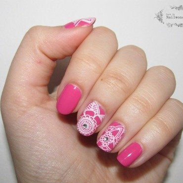 Pink Explorer nail art by Lora