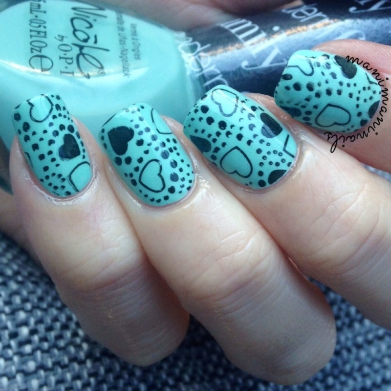 Valentine's Day mint hearts nail art by manimaninails