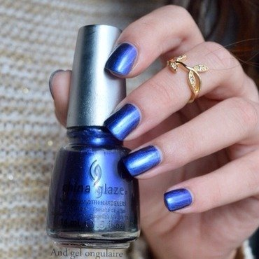China Glaze Want my bawdy Swatch by And'gel ongulaire