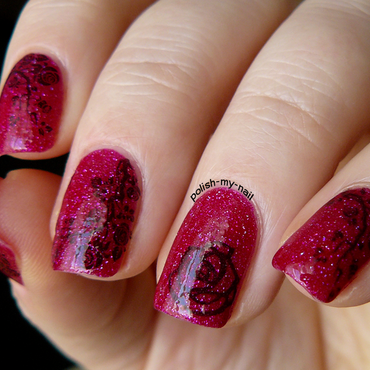 Sparkly roses nail art by Ewlyn