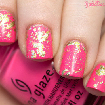 Metallic Gold Splatter Nail Art nail art by Julie