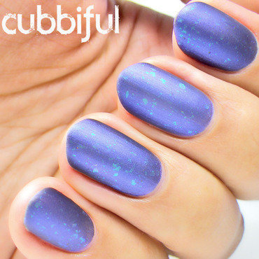 Matte flakies blue nails thumb370f