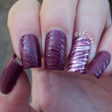 Glossy & matte purple zebra stripes nail art by Pedrinails