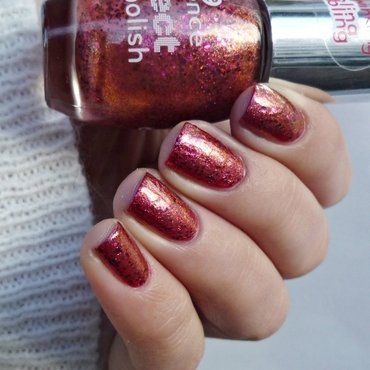 China Glaze Tip Your Hat and Essence effect nail polish 17 Never stop dreaming Swatch by Romana