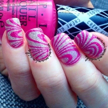Pink water marble nail art by manimaninails