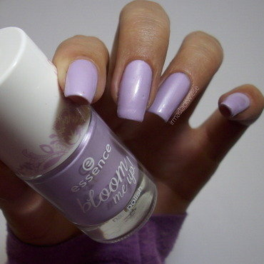 Essence Lovely lavender n°02 Swatch by irma