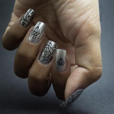 Black Stamping nail art by Ayaka Shiroyama