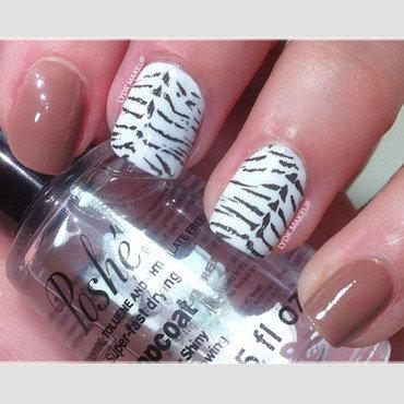 Zebra Animal Print nail art by LydKMakeUp