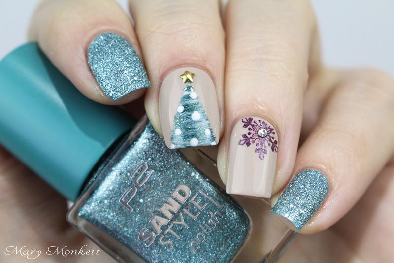 Happy sand style christmas nail art by Mary Monkett