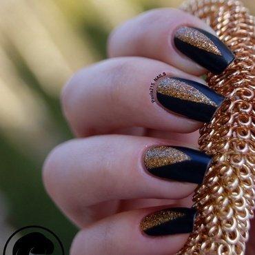 Black&Gold nail art by Paula215. NAILS