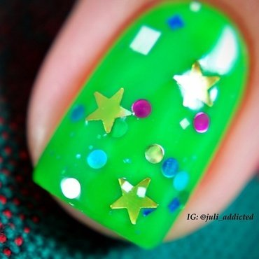 Sophin 230 and KBShimmer Christmas Now Swatch by Juli