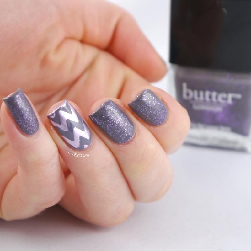 Waity, Katie Chevrons nail art by Ann-Kristin