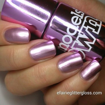 Models Own Chrome Pink Swatch by Emma