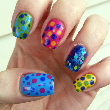 Colorful dots nail art by Lindsay