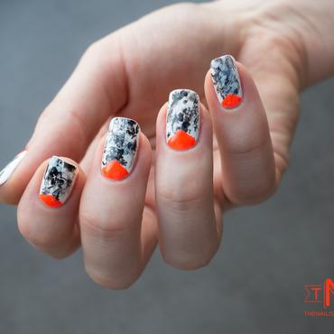 Manucure marbrée et fluo nail art by Kate C.