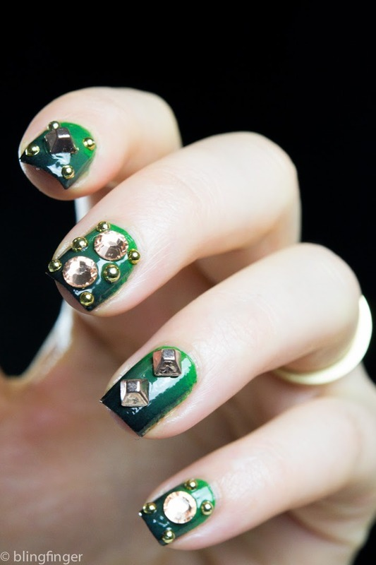 Studded Gradient nail art by  Petra  - Blingfinger