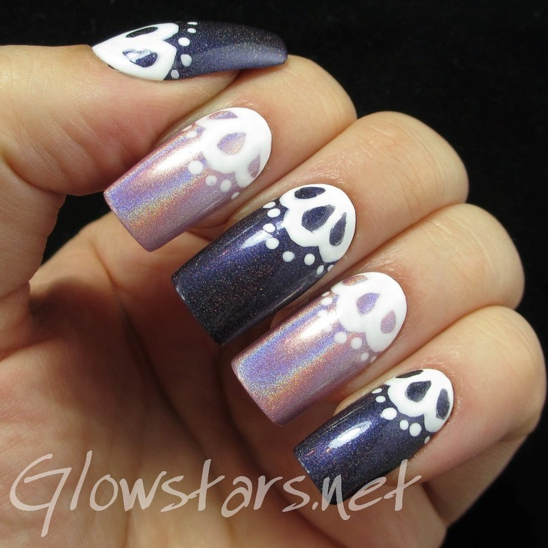 Holo and Lace nail art by Vic 'Glowstars' Pires