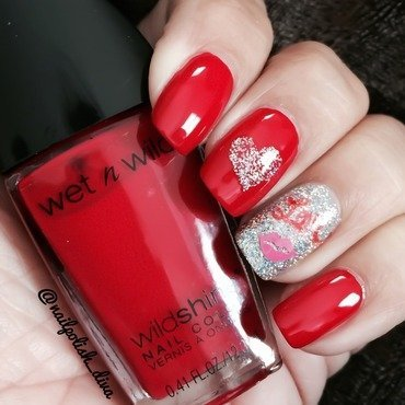 Kiss Me ! nail art by Marilyn