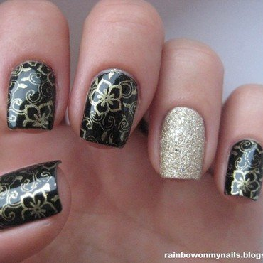 Gold&black nail art by specialle