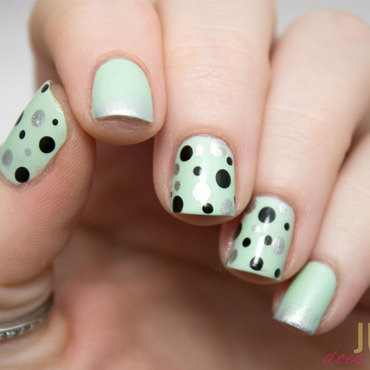 Retro Mint Dotticure nail art by Julie