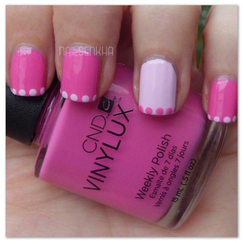 Francesa con linea de puntos en rosa nail art by Nailsenkha