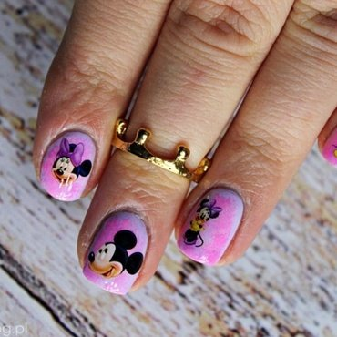 Valentine's Mickey Mouse nail art by Amethyst