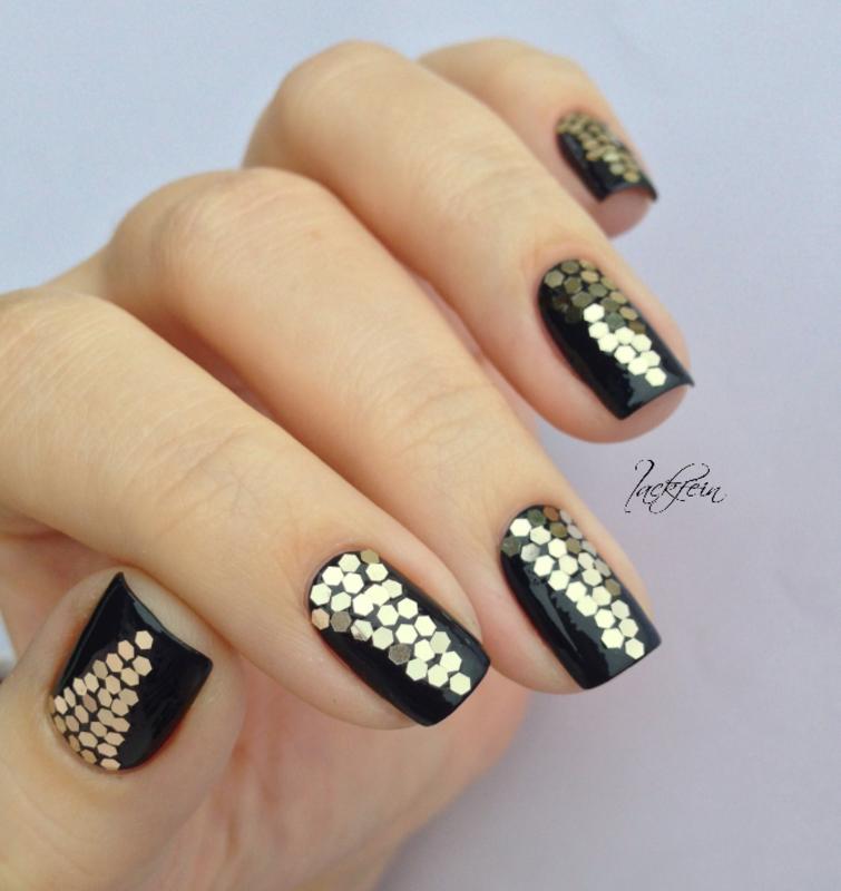 Glitter nail art by lackfein