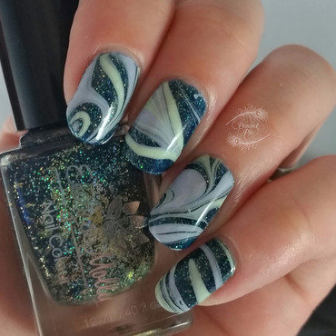 Candy Marble nail art by Serra Clark