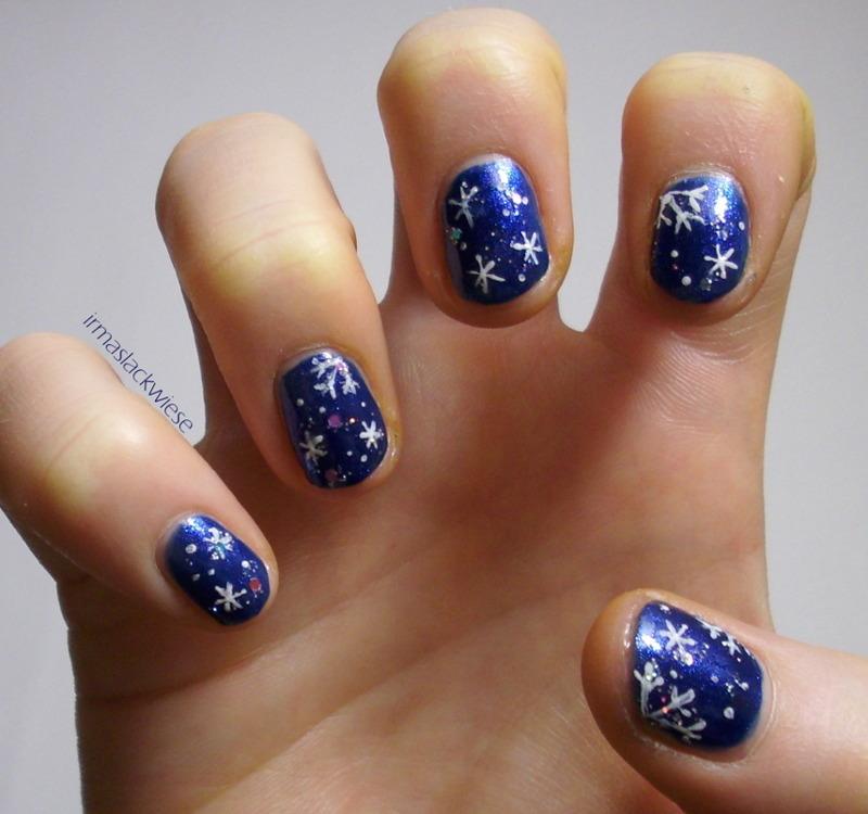 glitter snowflakes nail art by irma