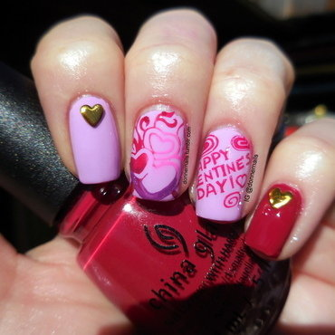 Valentine's Day nail art by Donner