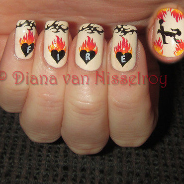 Hearts on Fire nail art by Diana van Nisselroy