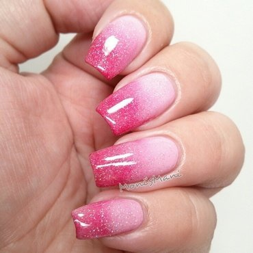 love gradient nail art by Moni'sMani