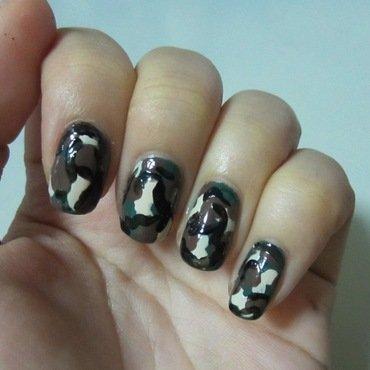 Camouflage nail art by JingTing Jaslynn