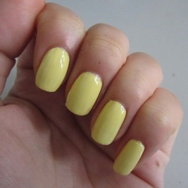 China Glaze Lemon fizz Swatch by JingTing Jaslynn