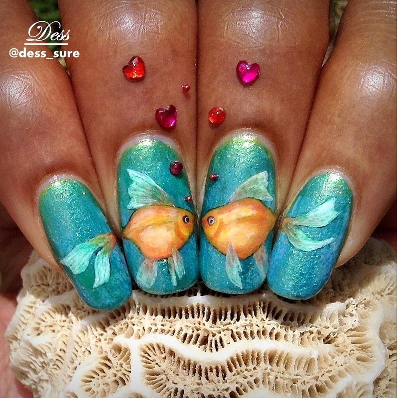 Kissy Face nail art by Dess_sure