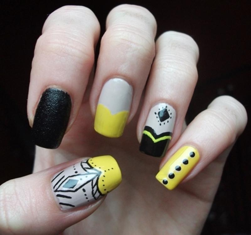 Black&Yellow nail art by Dominika Boruta