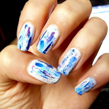 Blue Distress nail art by maxivsmini
