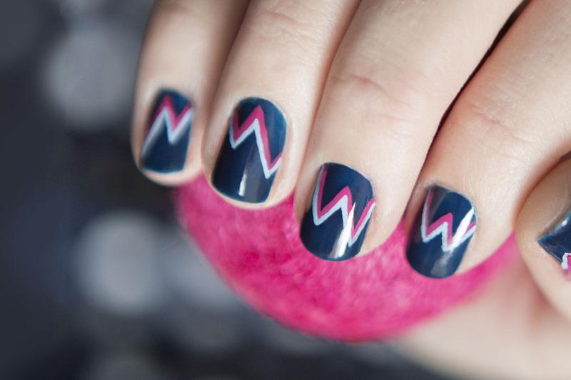 Zigzag nail art by Magdalena