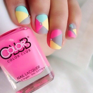 Color blocking nail art by Massiel Pena