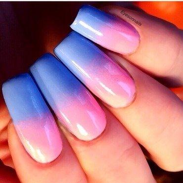 Gradient nail art by Virginia