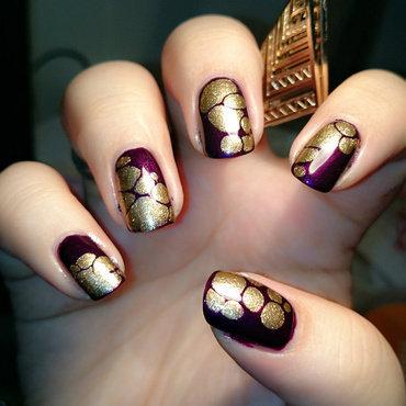Drops of Gold nail art by Eva