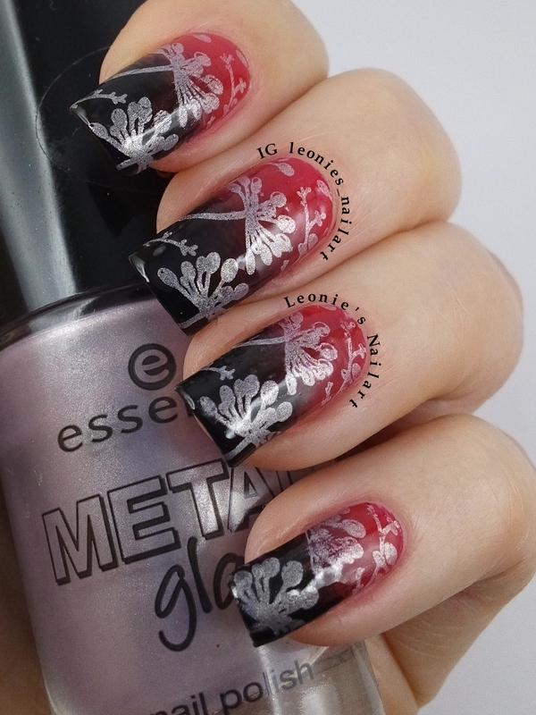 Red and Black gradient nail art by Leonie